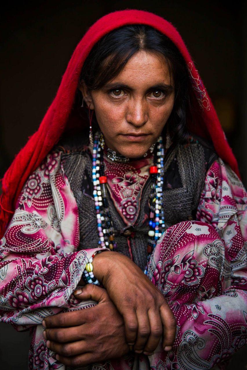 Une femme afghane - Mahaela Noroc