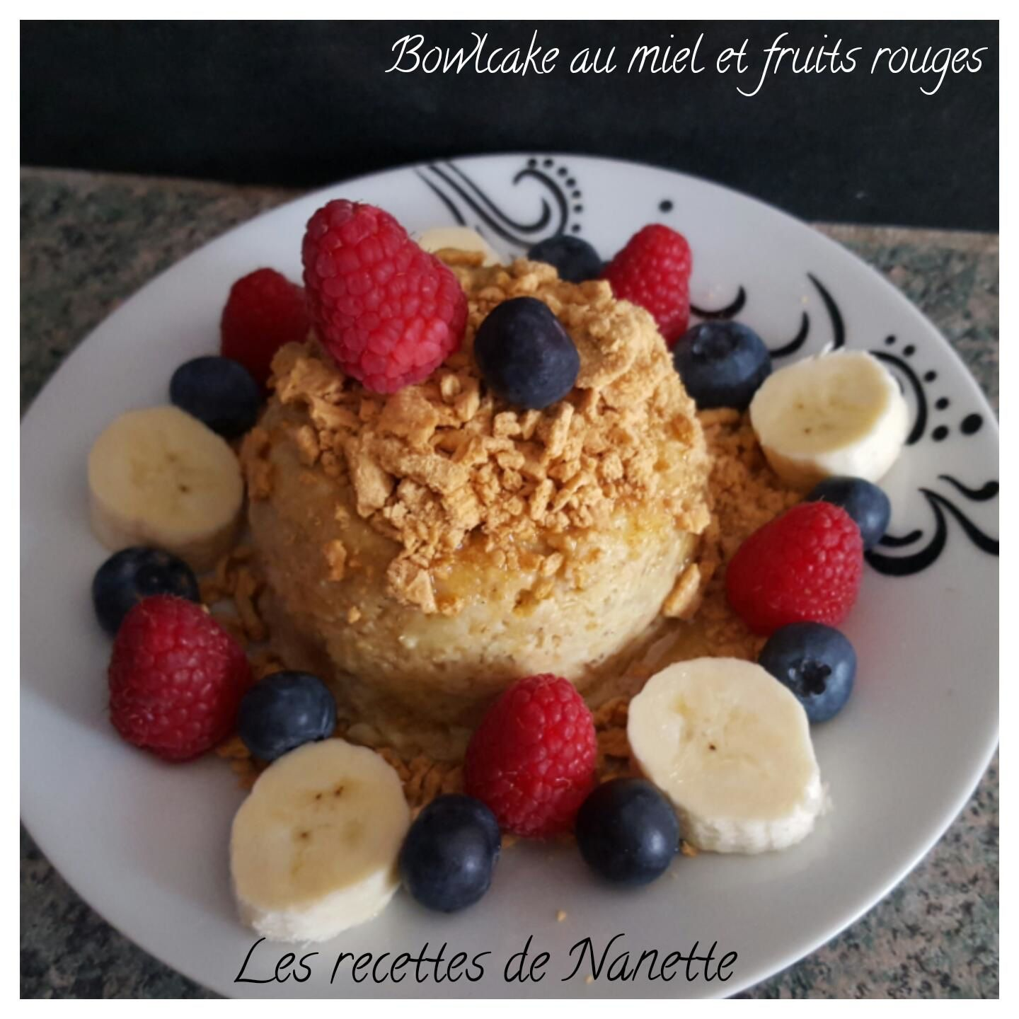 Bowlcake au miel et fruits rouges