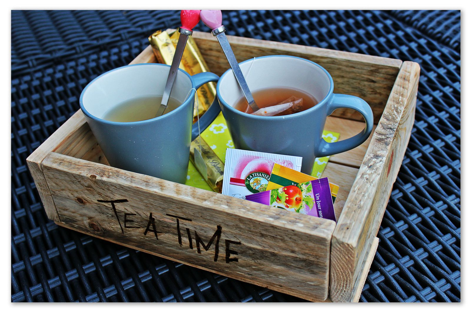 http://luniversdegarfield59.over-blog.com plalette bois plateau récup thé tea time