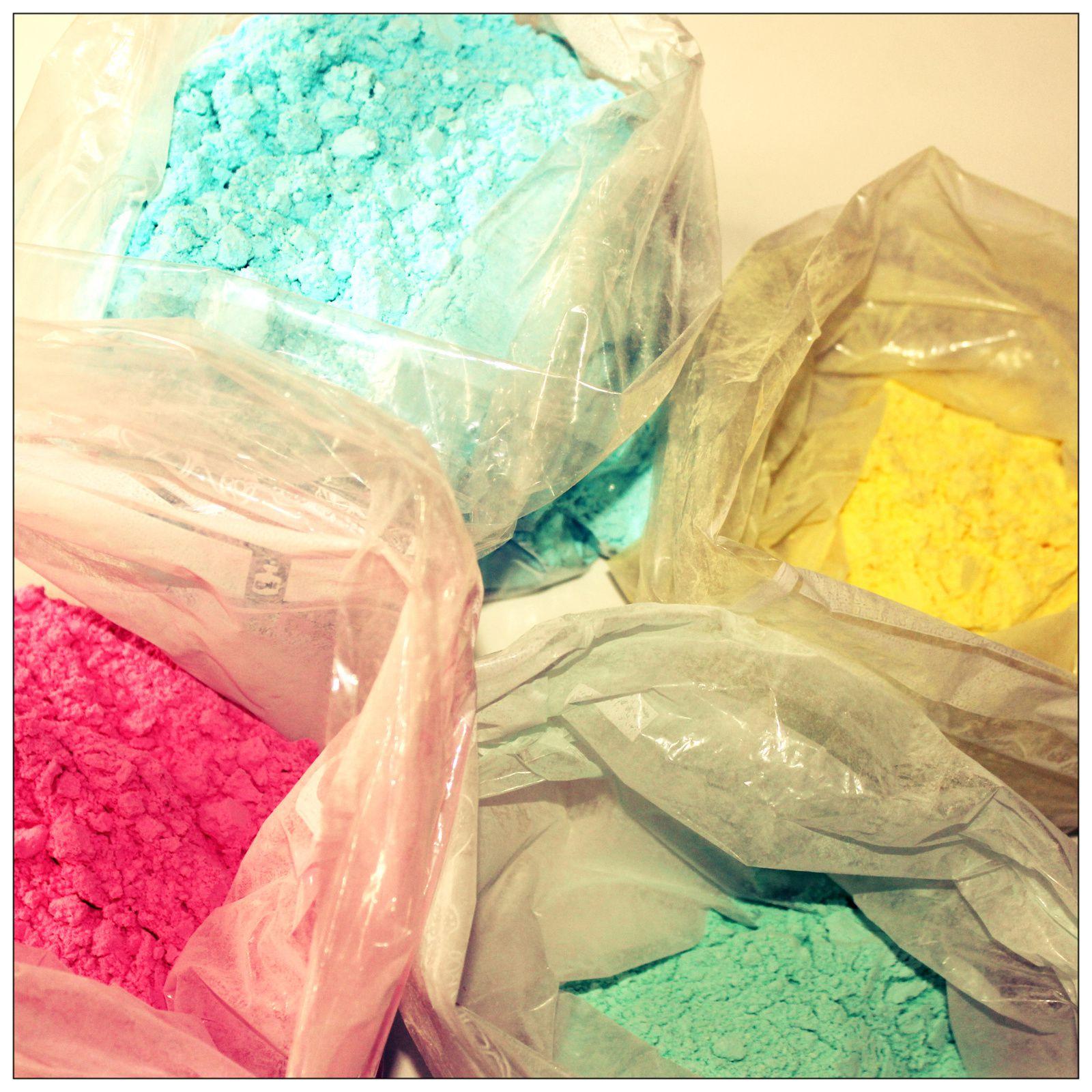 http://luniversdegarfield59.over-blog.com poudre holi fée maïzena colorante colorée
