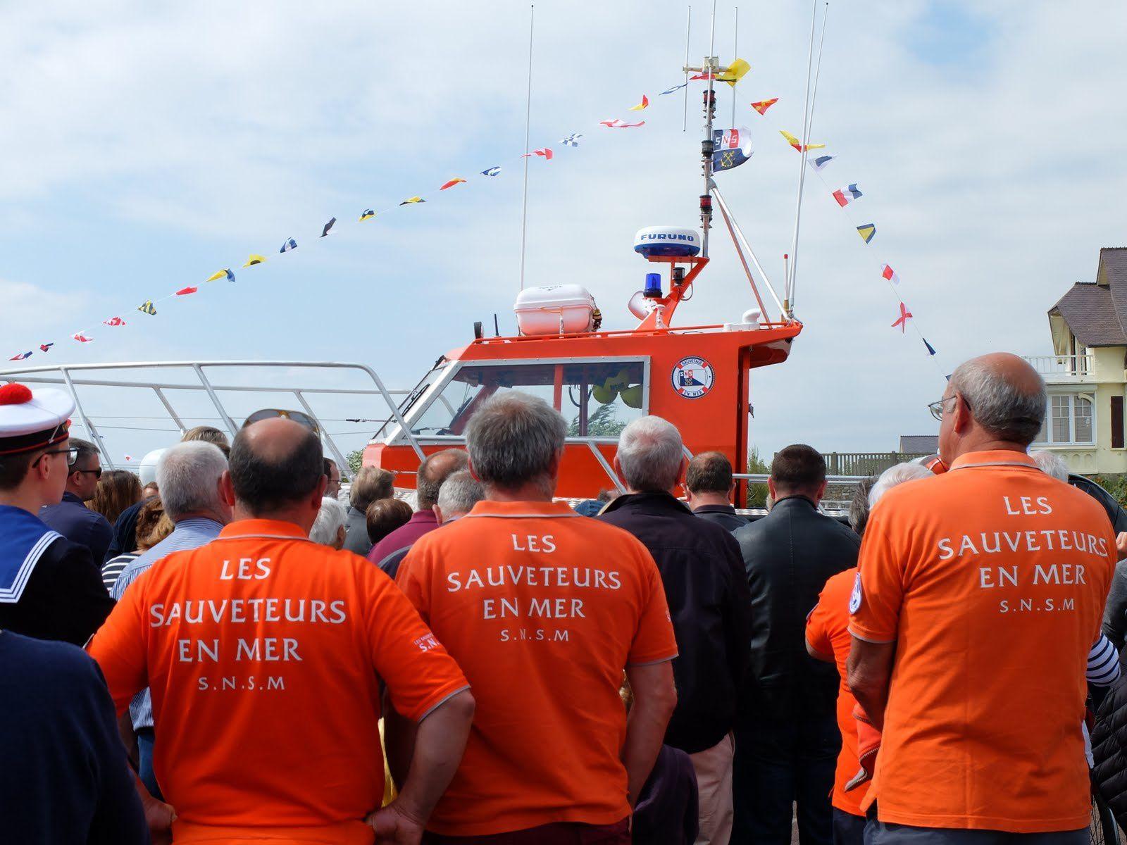 Bénédiction de la SNS 462 &quot&#x3B;PERE LEFORT&quot&#x3B;, inauguration de la station de sauvetage