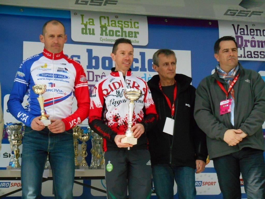 Jérôme des Ridders Lagardiens sur le podium puis avec son collègue Bruno.