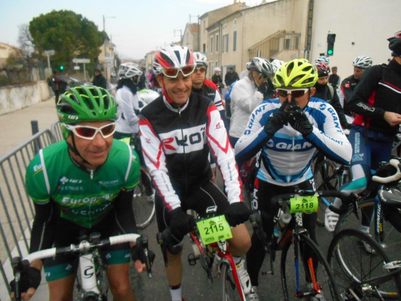 Jean-René, Jano, Manu derrière Jano et Nico qui a des problèmes de sinus.