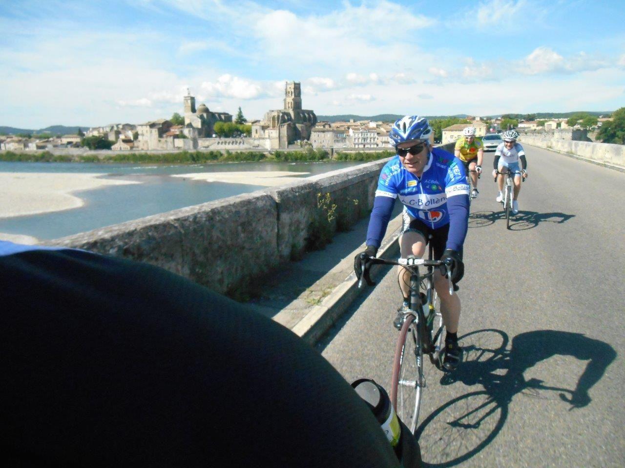 Devant moi Bruno, Nico et Stéphane, derrière Patrick, Olivier et Rocco sur le Rhône à Pont st Esprit.