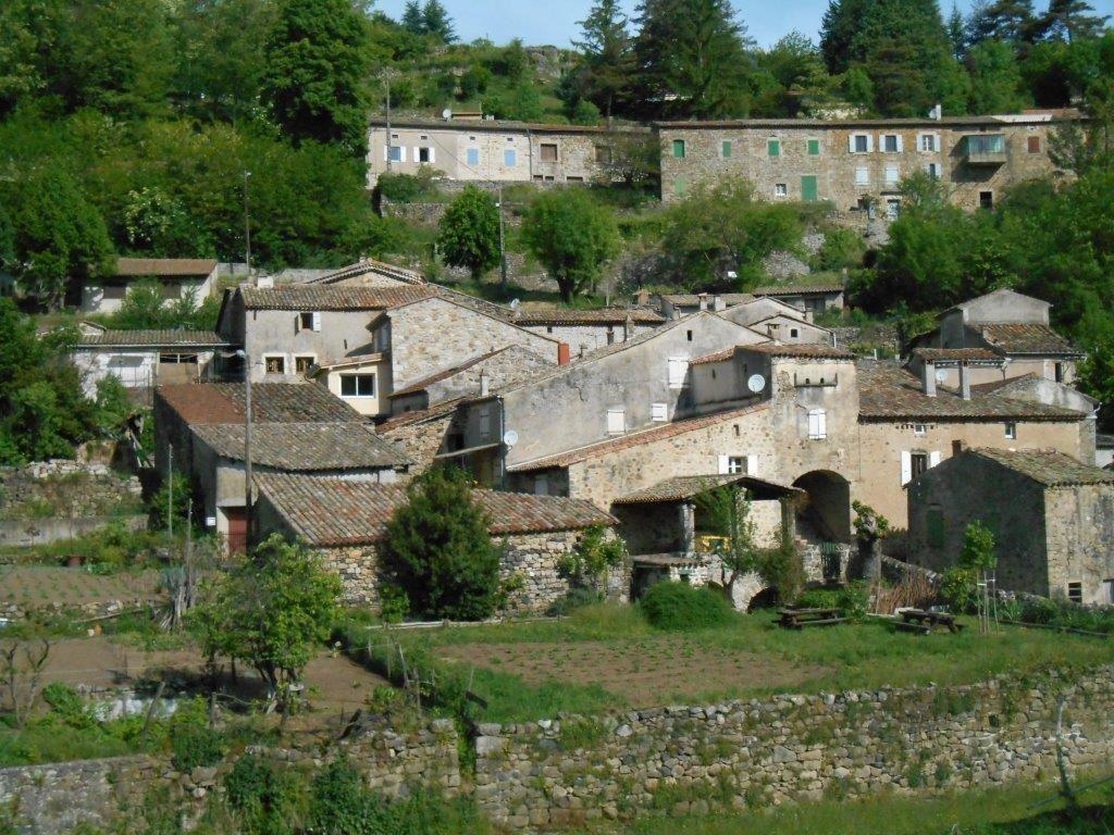 1- Chambon de Bavas. 2- Passage sur l'Eyrieux aux Ollières.