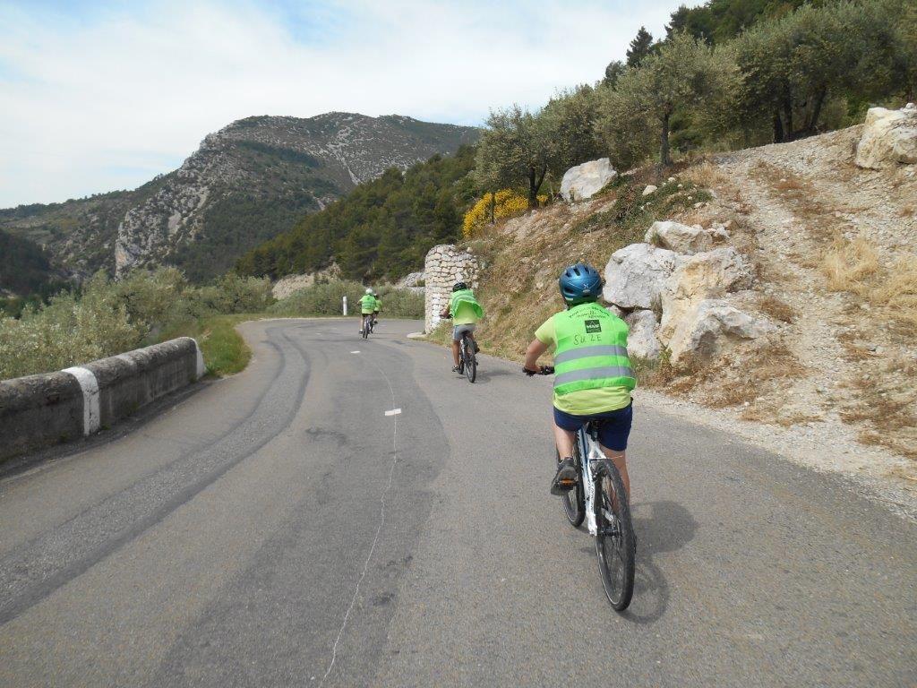 Derniers mètres de la descente avant de retrouver la départementale D546, on relâche les muscles...