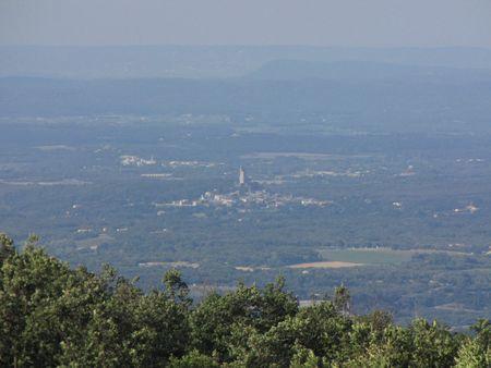 1- Vue sur la vallée avec la Tour de Chamaret. 2- Dans les bois de Salles sous Bois.