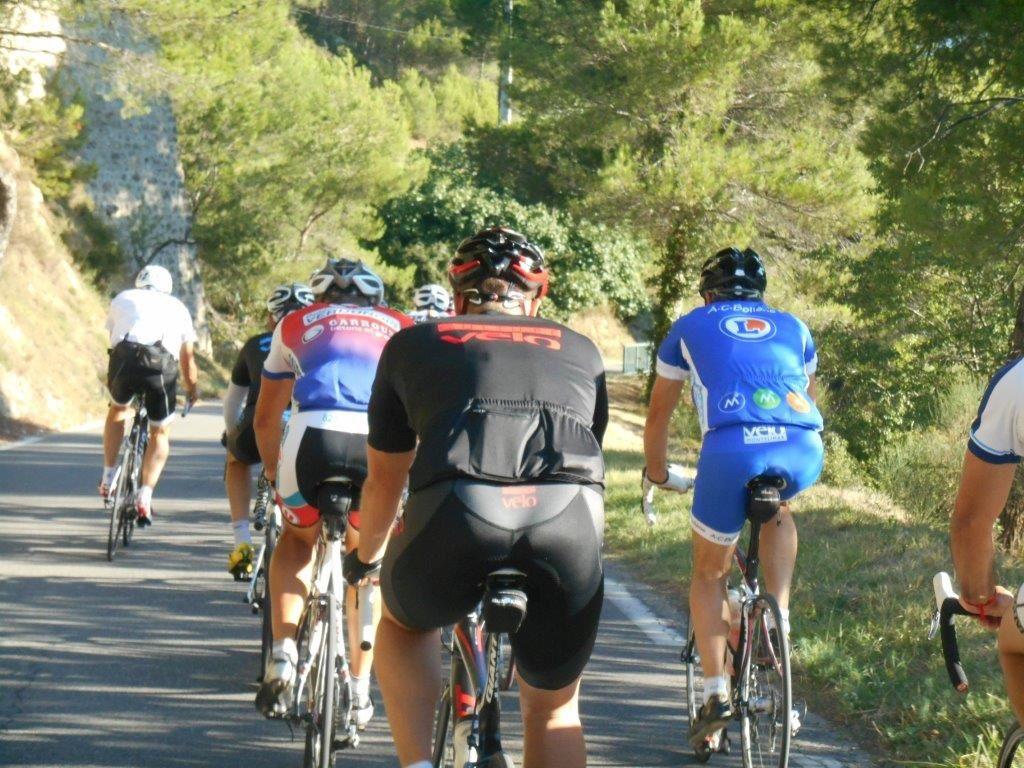 1- Magnifique route de Suzette. 2- Chacha en mode VétoCyclo !!!