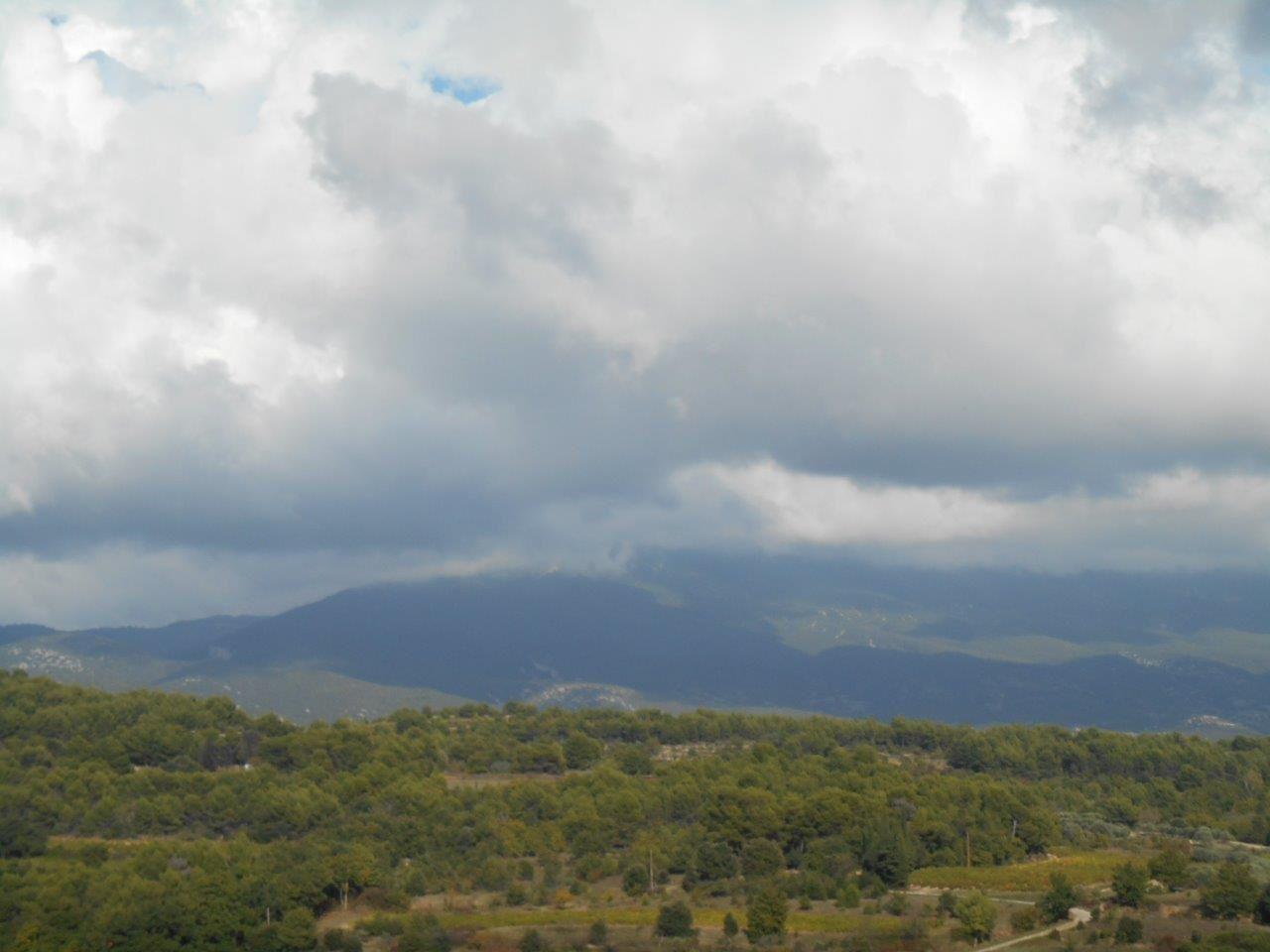1- Vers Bédoin. 2 et 3- Le Géant de Provence empanaché de nuages !!!