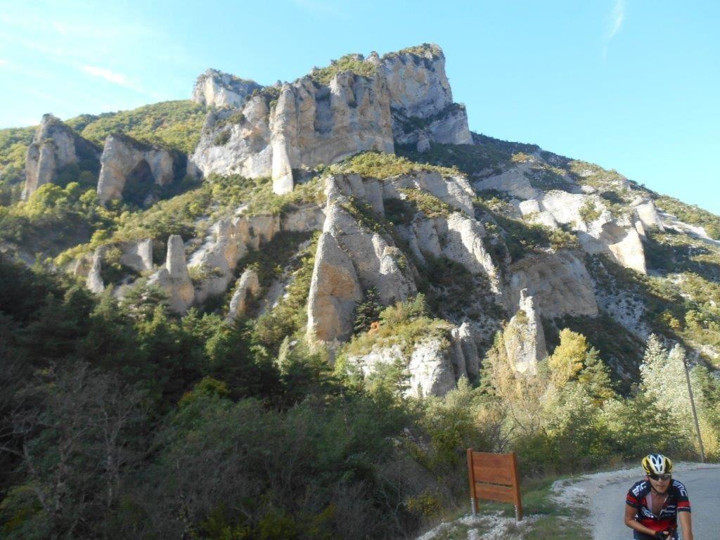 Roches Calcaires dans la montée de Pommerol.