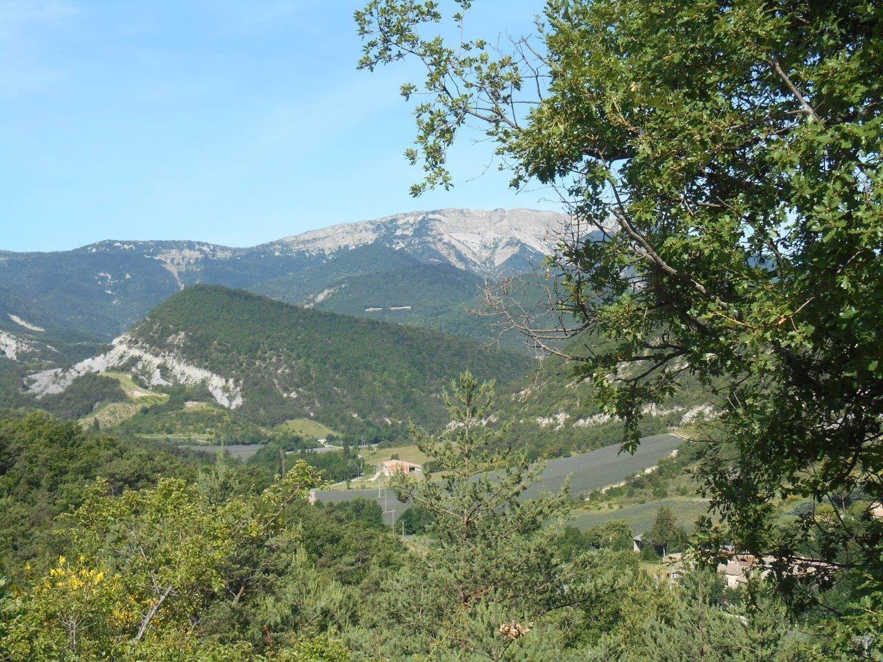 Montagne de la Lance et une belle vue sur la descente du col.
