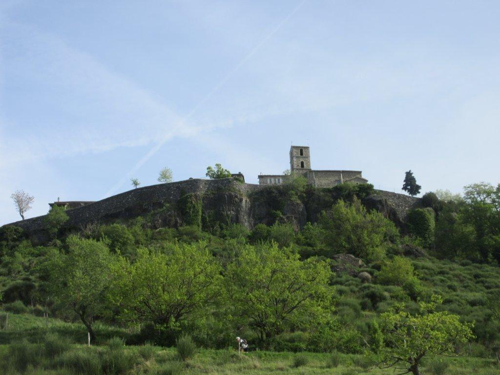 Magnifique descente de Lussas puis passage sous St Laurent sous Coiron. Les Monts d'Ardèche