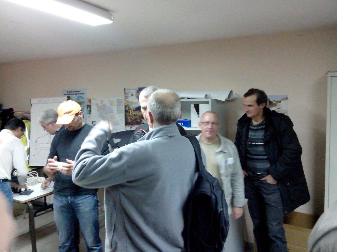 Bernard et Manu, les responsables VTT et Route - En bas les VTTistes + J-Luc et Yannick