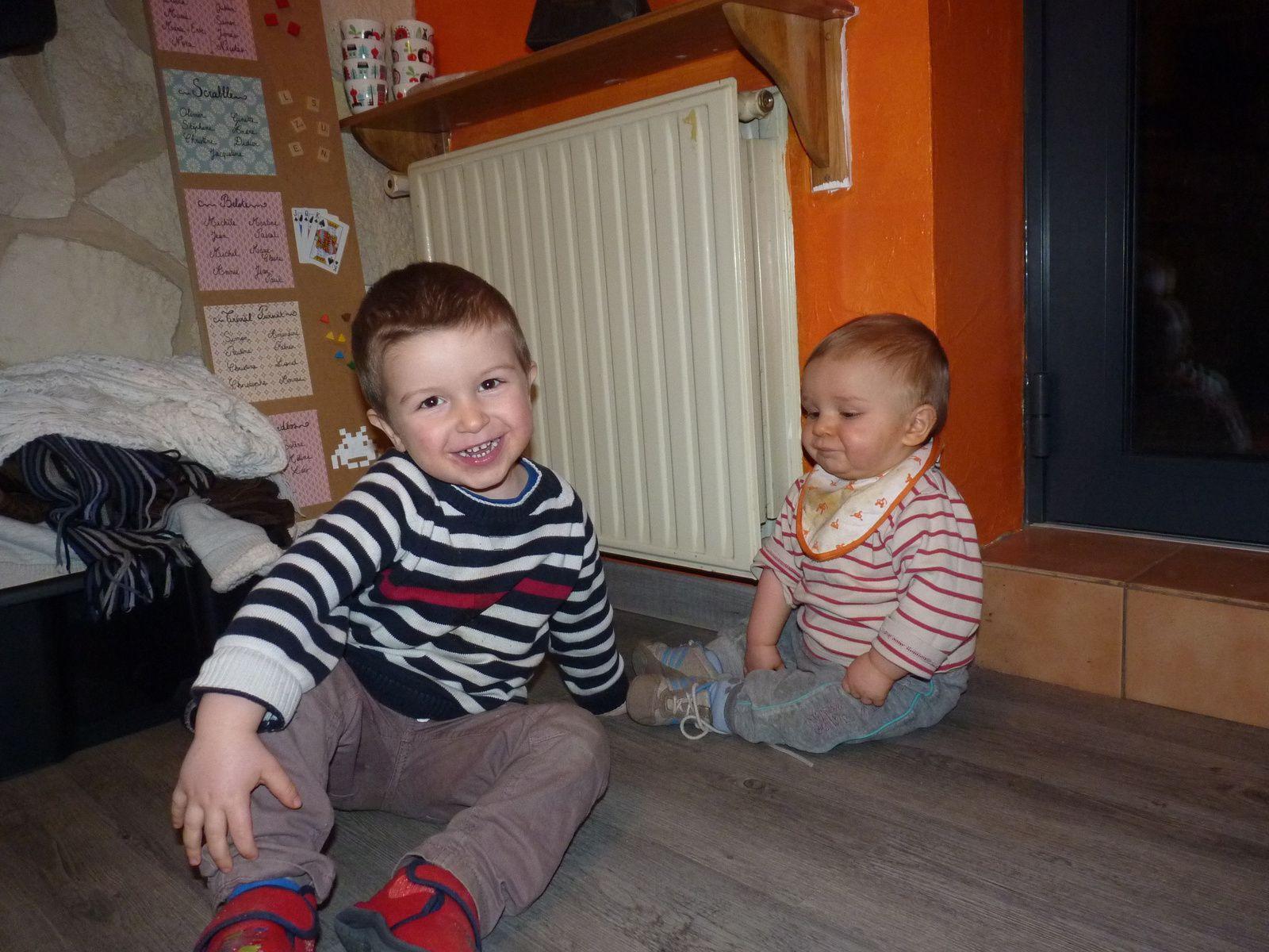 Un radiateurs et deux boys