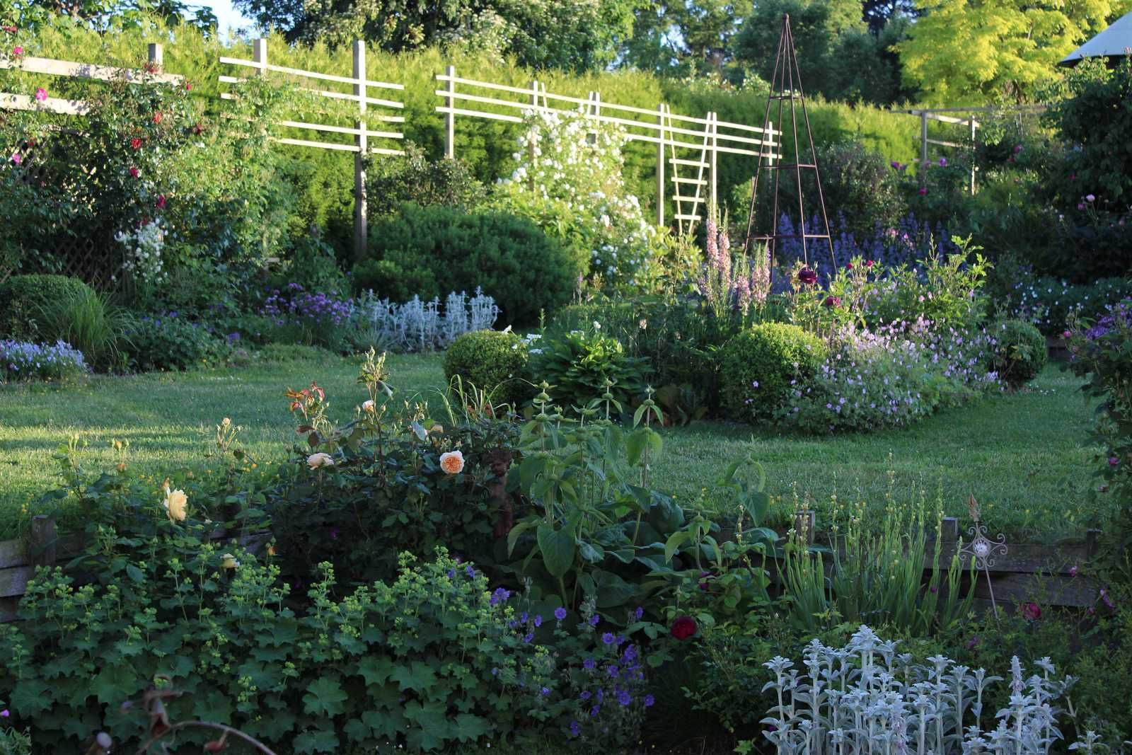 Juin: le mois de l'opulence au jardin