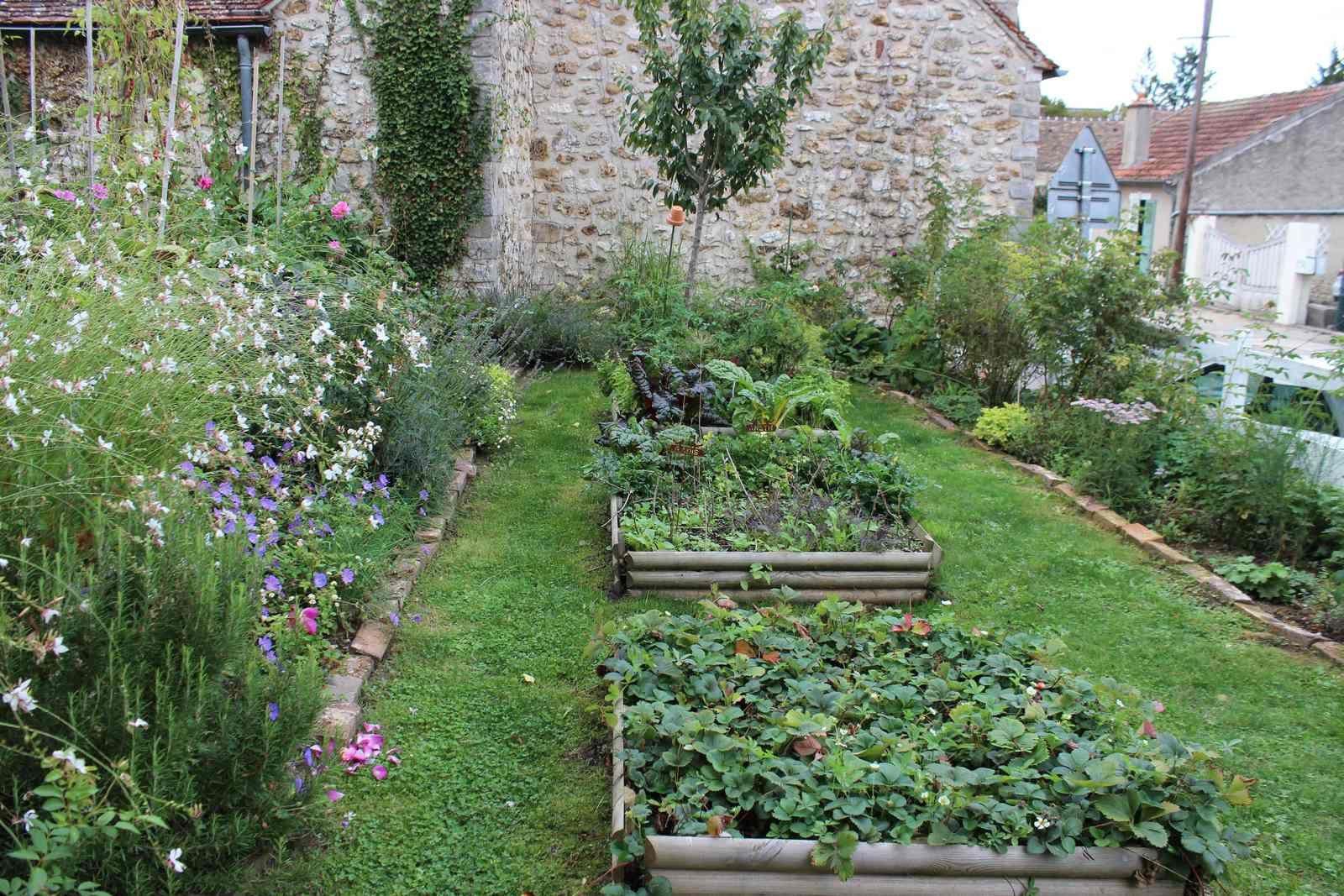 Derrière les murs de son jardin....