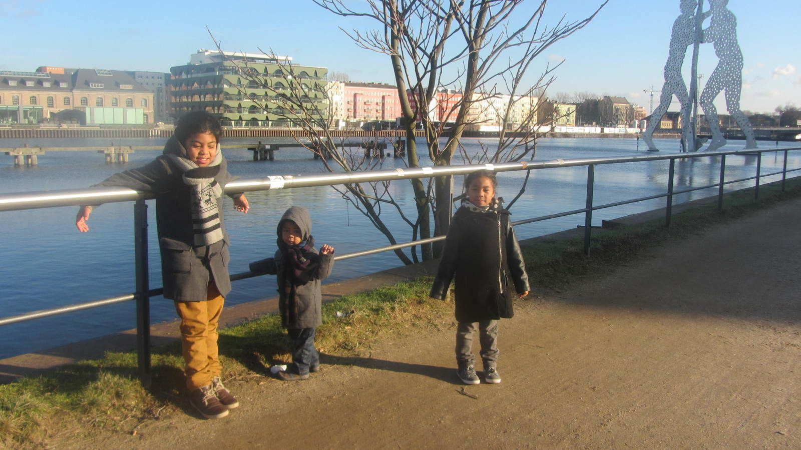 Molecule man, sur le Spree (Berlin) Dec2013