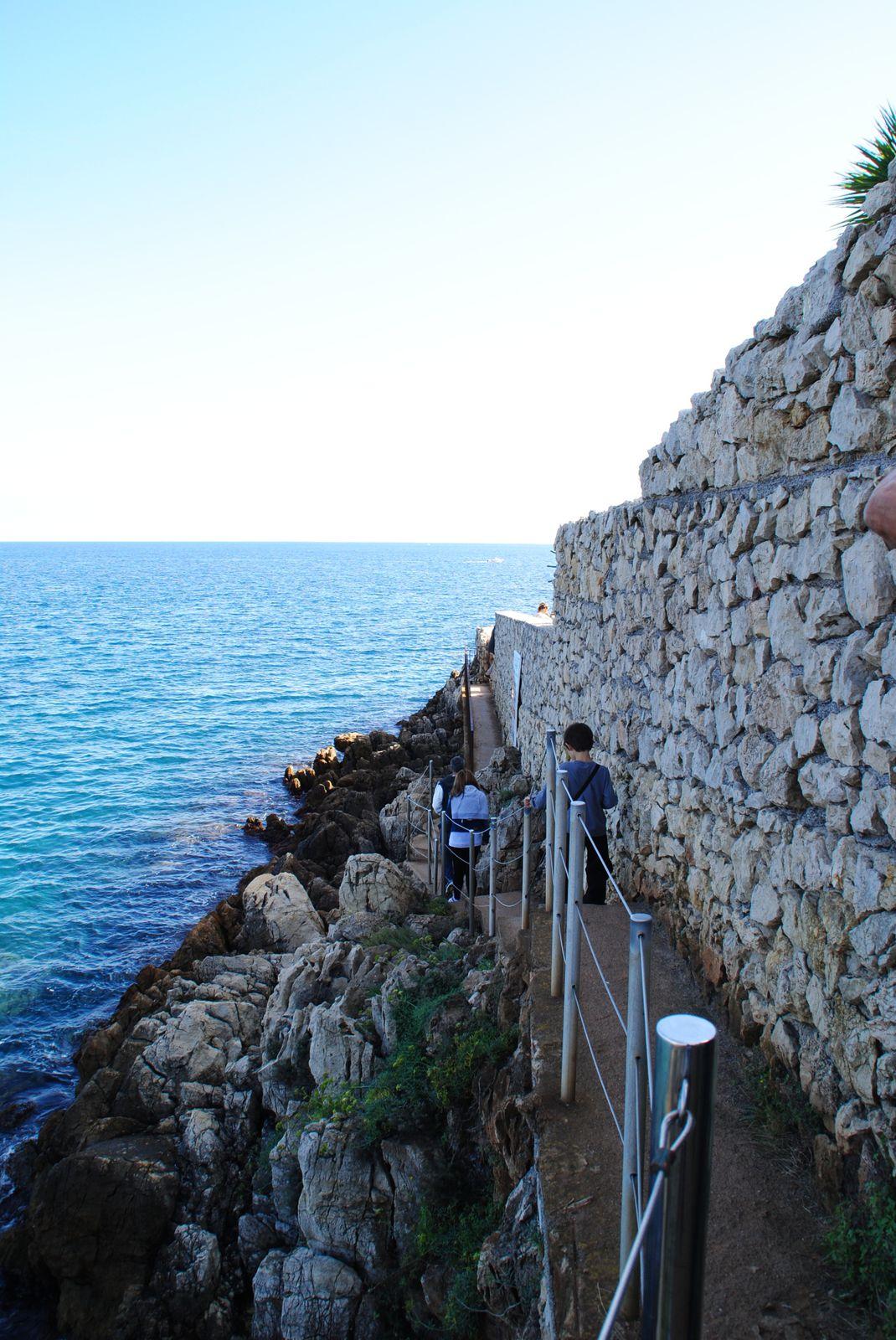 Cap d'Antibes le sentier du littoral (Alpes Maritimes)Balades d'ici et d'ailleurs