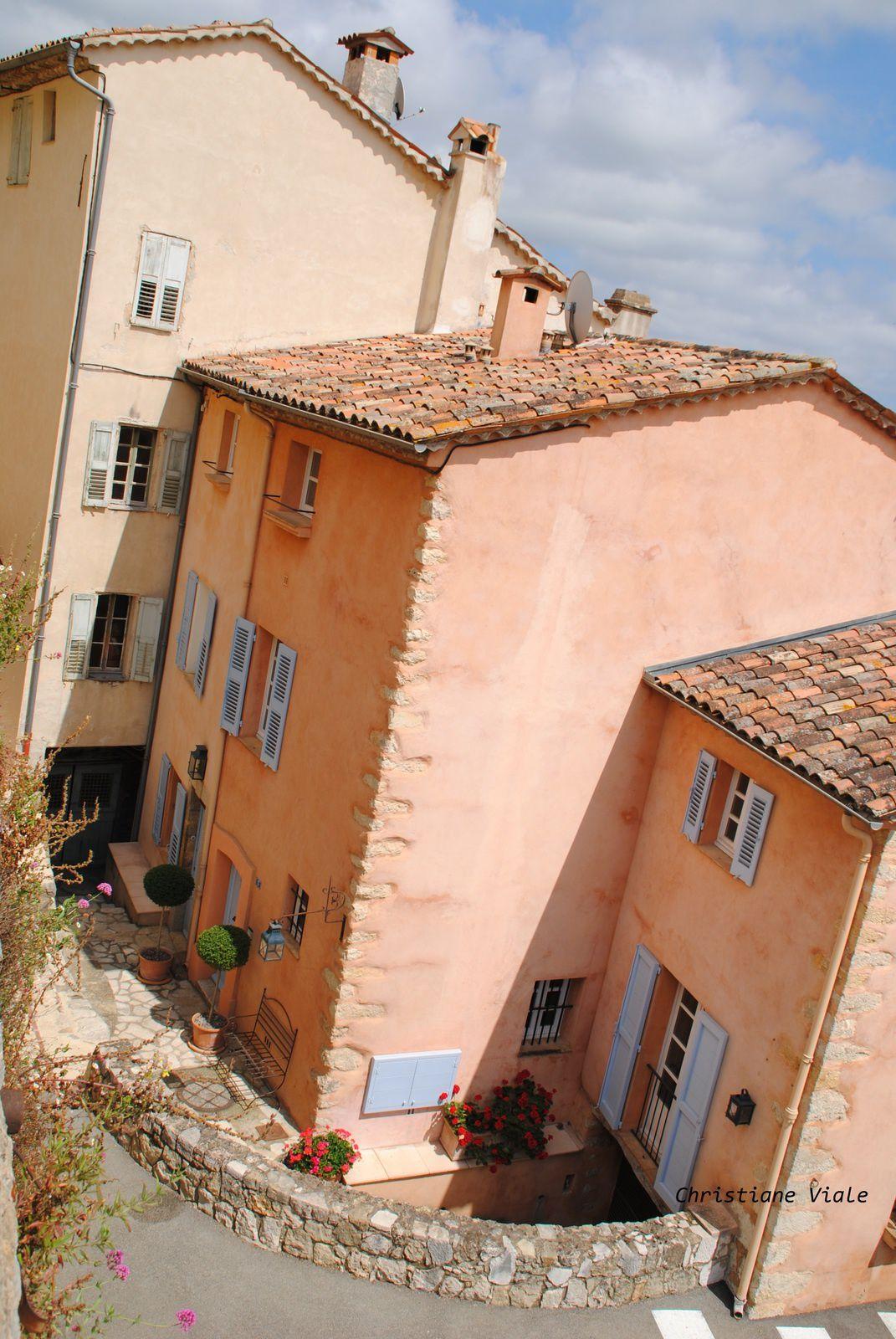 Châteauneuf près de Grasse (AM) Balades d'ici et d'ailleurs .