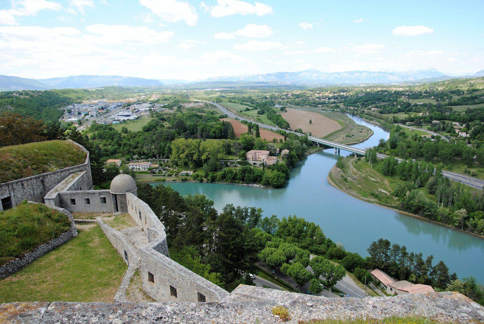La Citadelle de Sisteron et sa chapelle . Balade d'ici et d'ailleurs