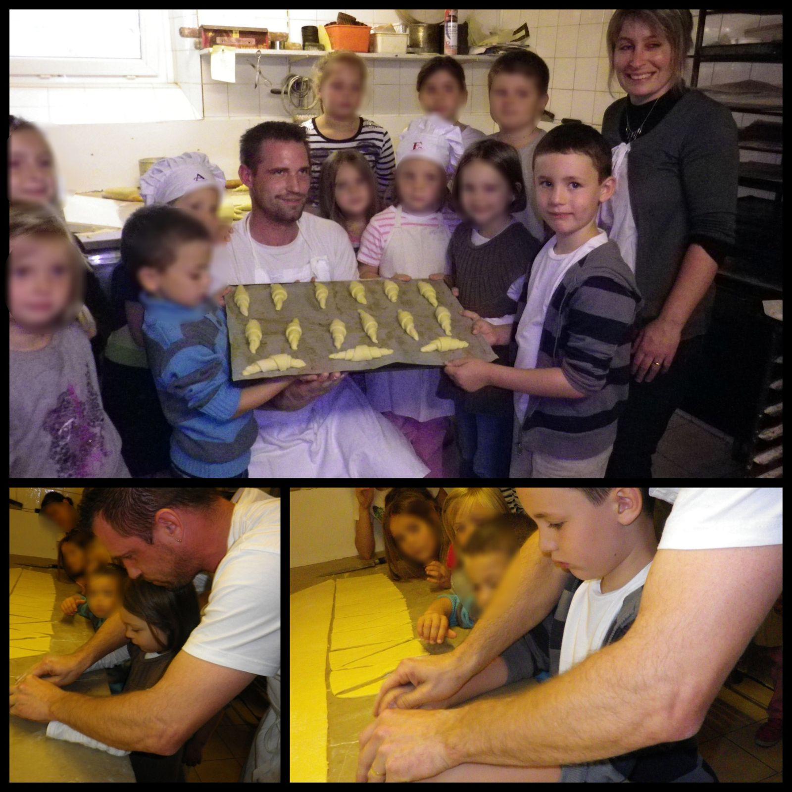 Après avoir montré et expliqué aux enfants, le boulanger a coupé la pâte, et chacun a pu façonner son croissant