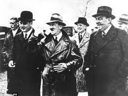 Ré-écrire lhistoire:Adolph Hitler ,théoricien de la guerre du futur ...et visionnaire du 11...