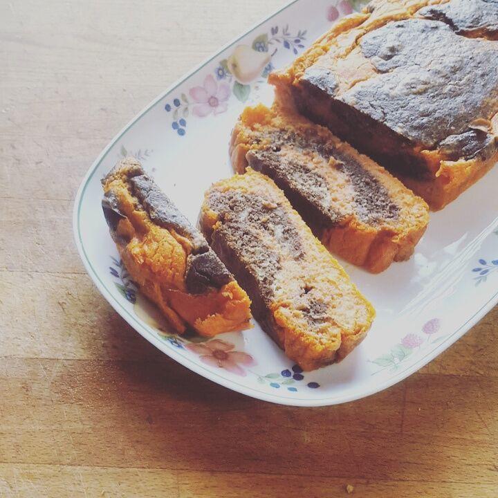 Cake marbré tapenade-tomate