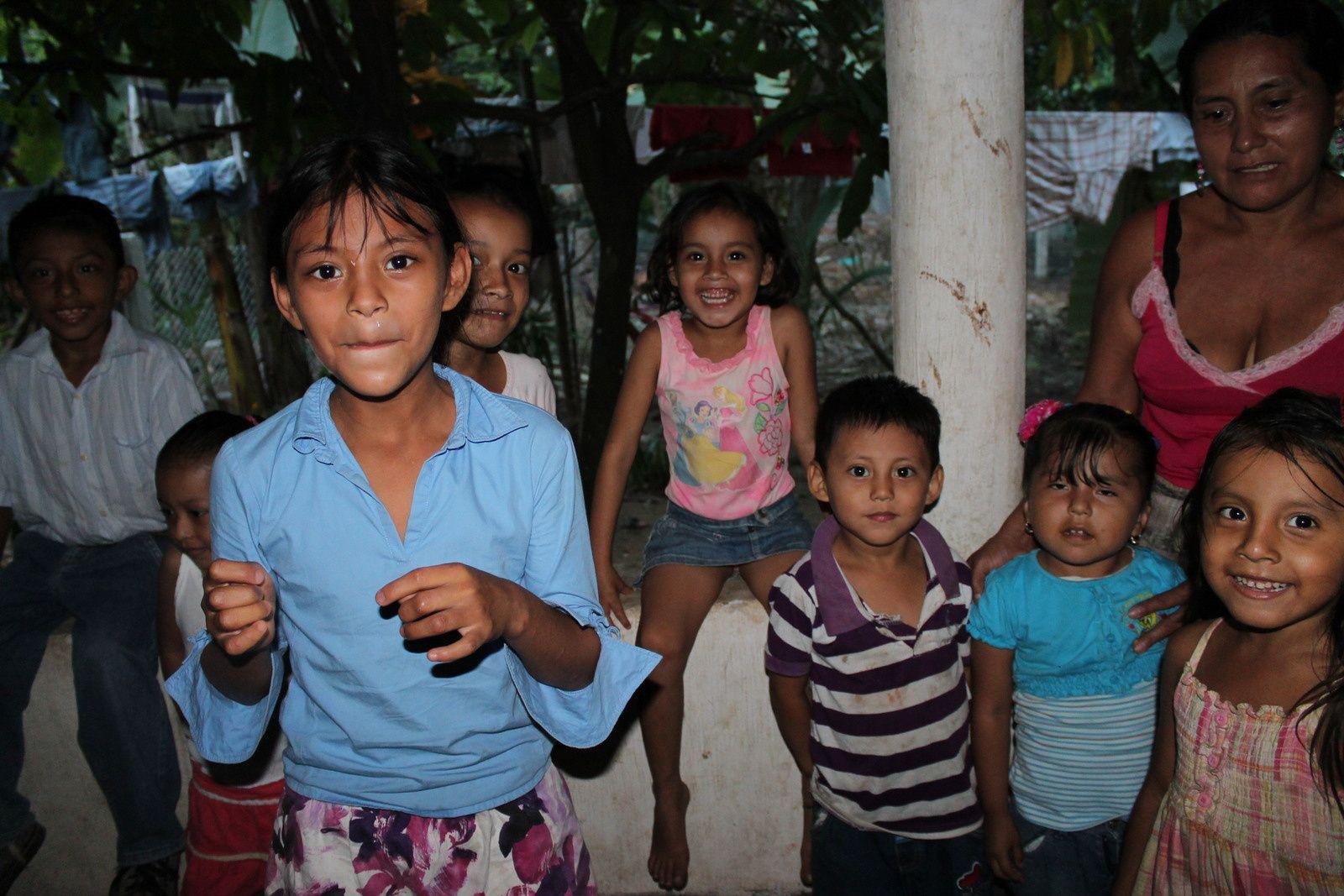 11/ Espoir d'une projection au village de La Esmeralada / Esperanza de una proyección al pueblo de La Esmeralda