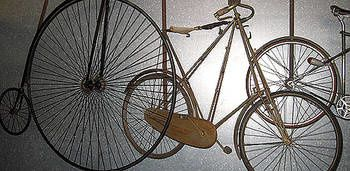 oldbicycle-crabchick.1218262560.jpg