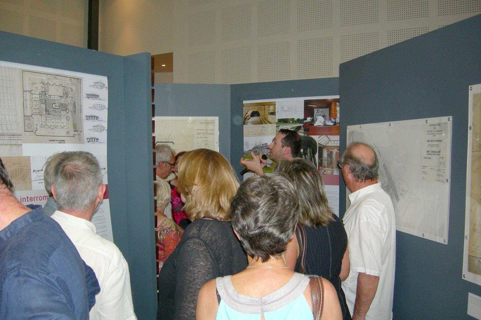 Jocelyn Lermé, co-commissaire de l'exposition assurant la visite inaugurale