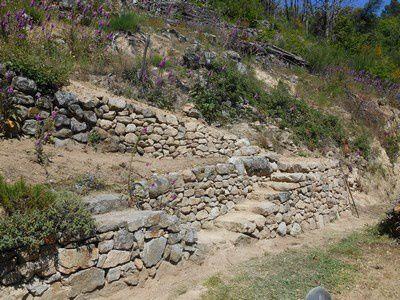 escalier et rampe pierre sèche achevés