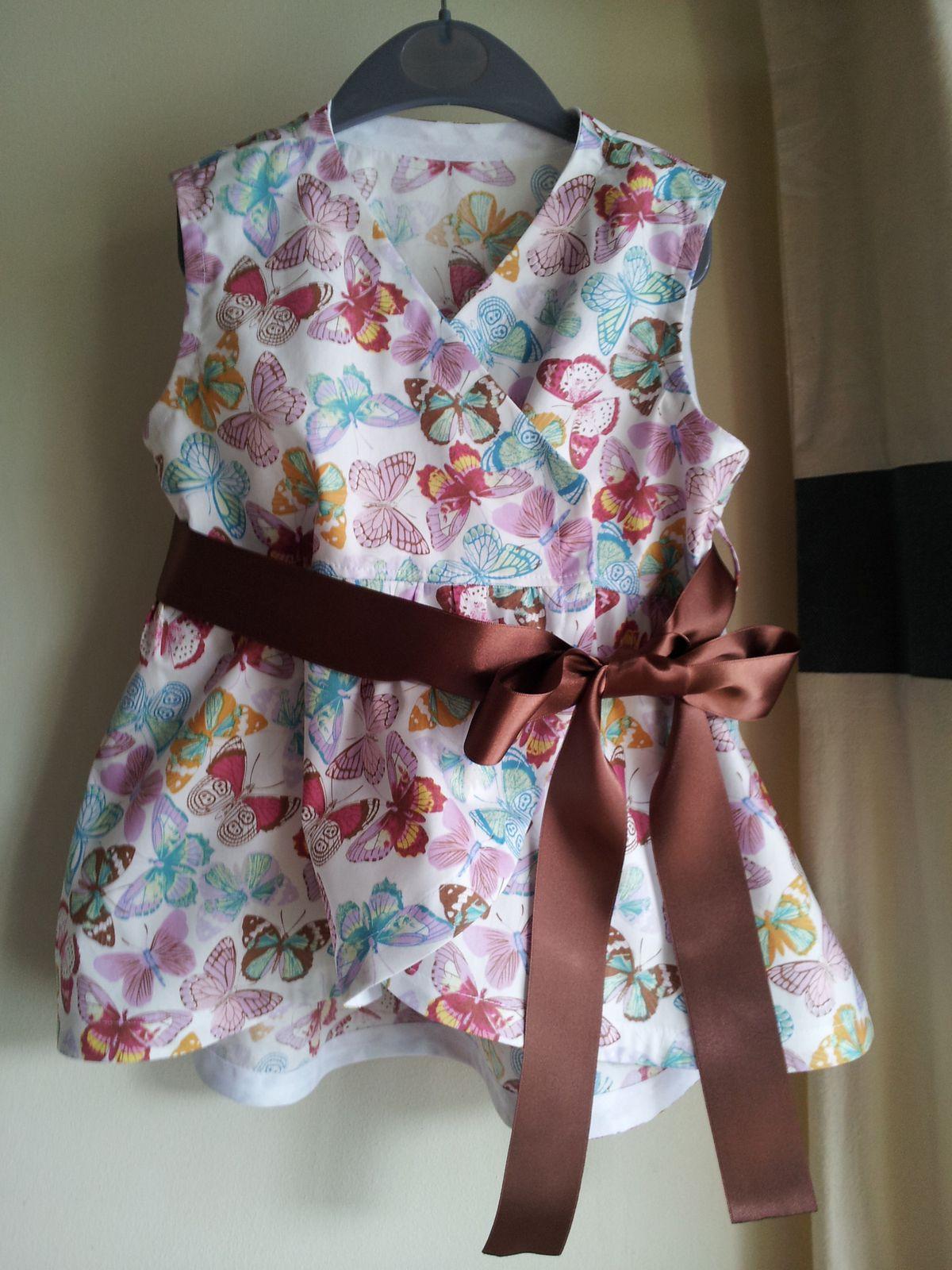Il m'arrive aussi régulièrement de confectionner des habits pour ma fille Chloé, qui aodre que maman lui fasse des modèles que ces copines d'école n'auront pas dans la cours.