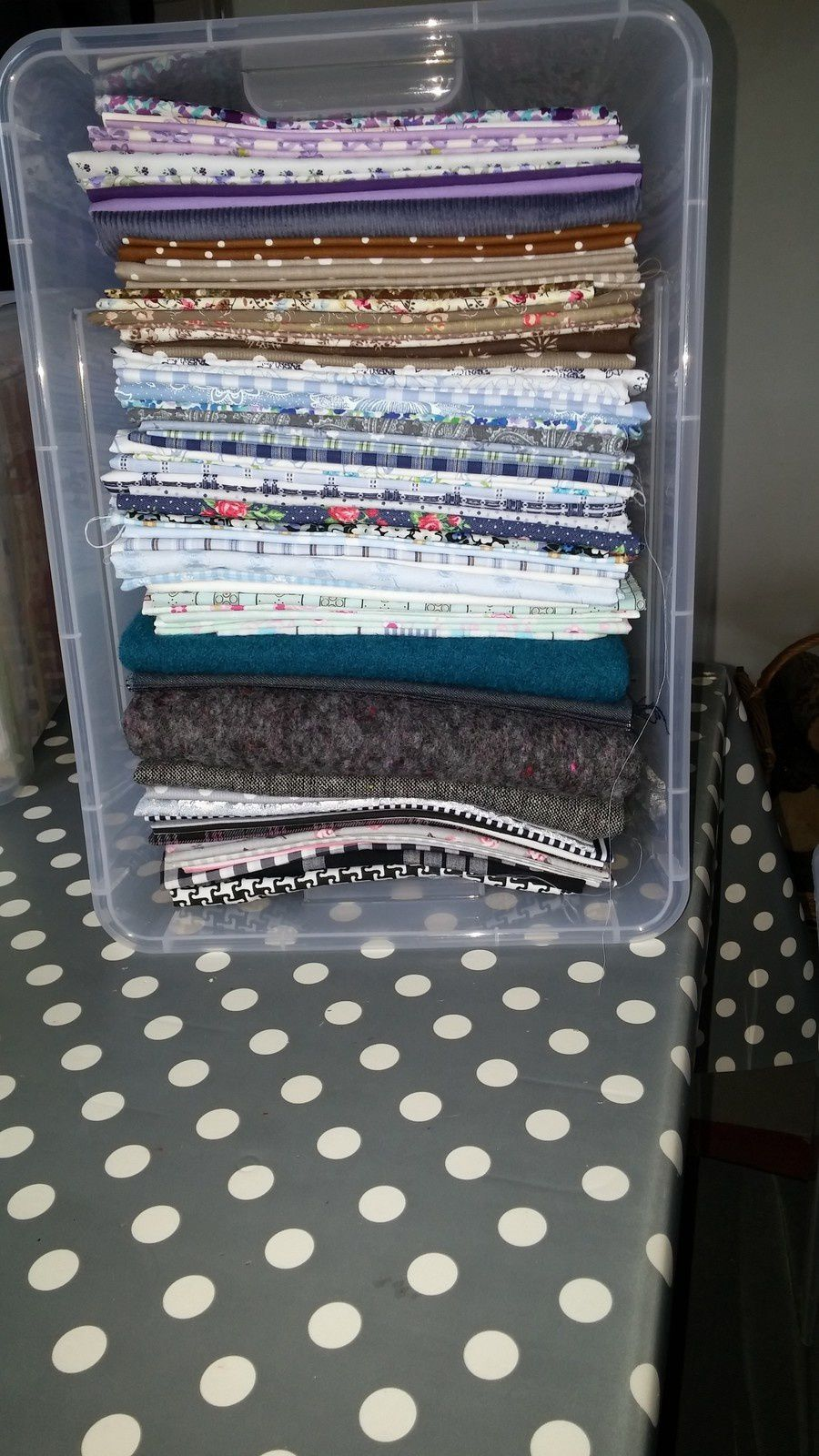 Ma petite réserve de tissus, laine, loisir créatif ...
