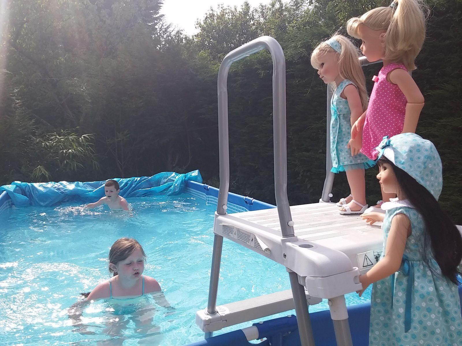 La piscine et les filles (2)