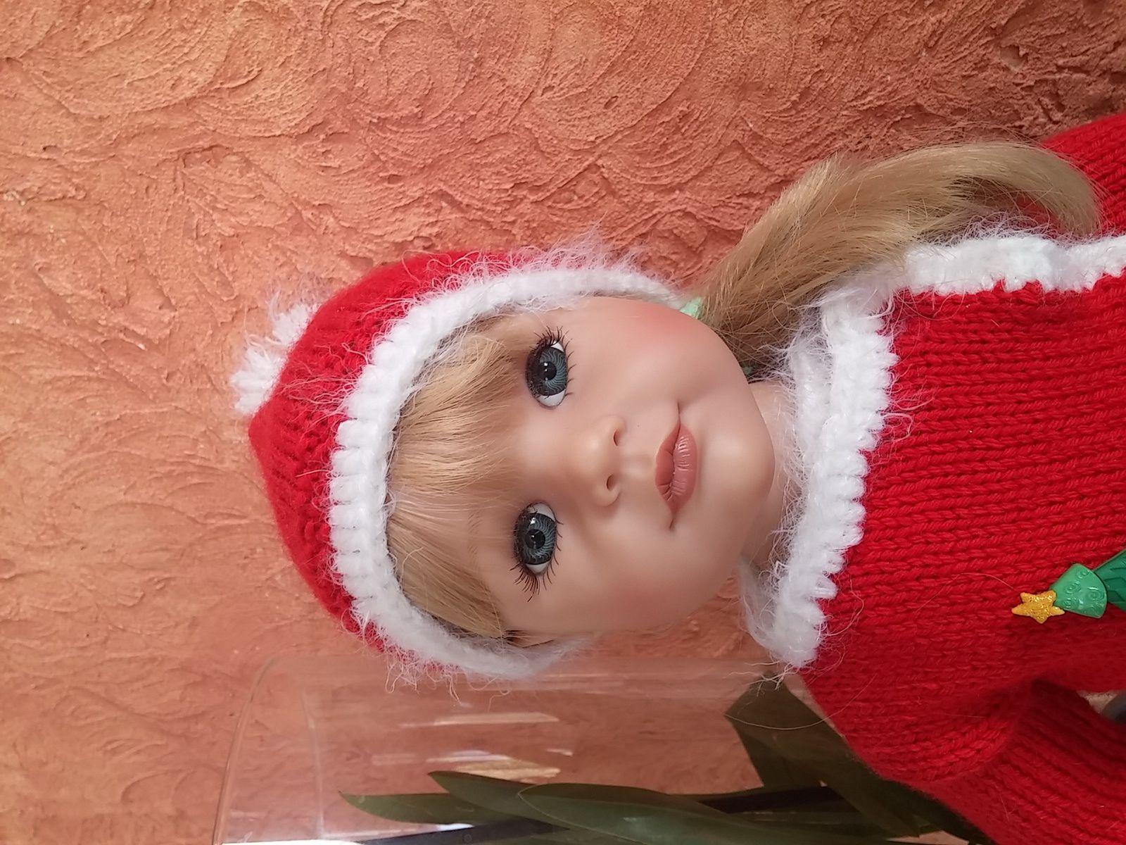 Lily en tenue de Noël