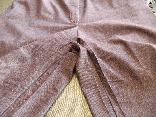 Une première jupe ...........