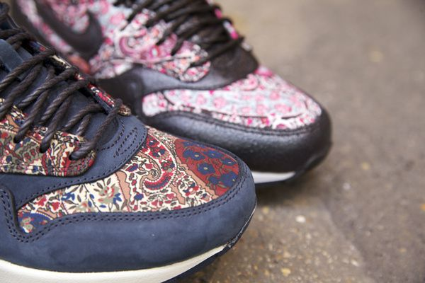 Nike X Liberty London For WMNS.