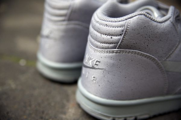 The MONOTONES VOL 1. Air Trainer 1 Mid SP.