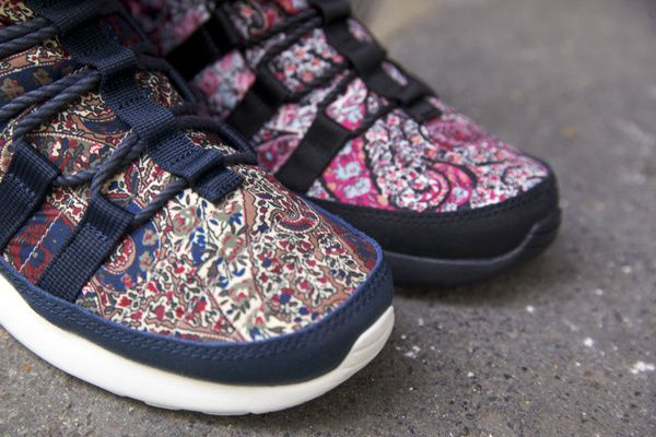 Nike X Liberty Pack Roshe Run Sherpa.
