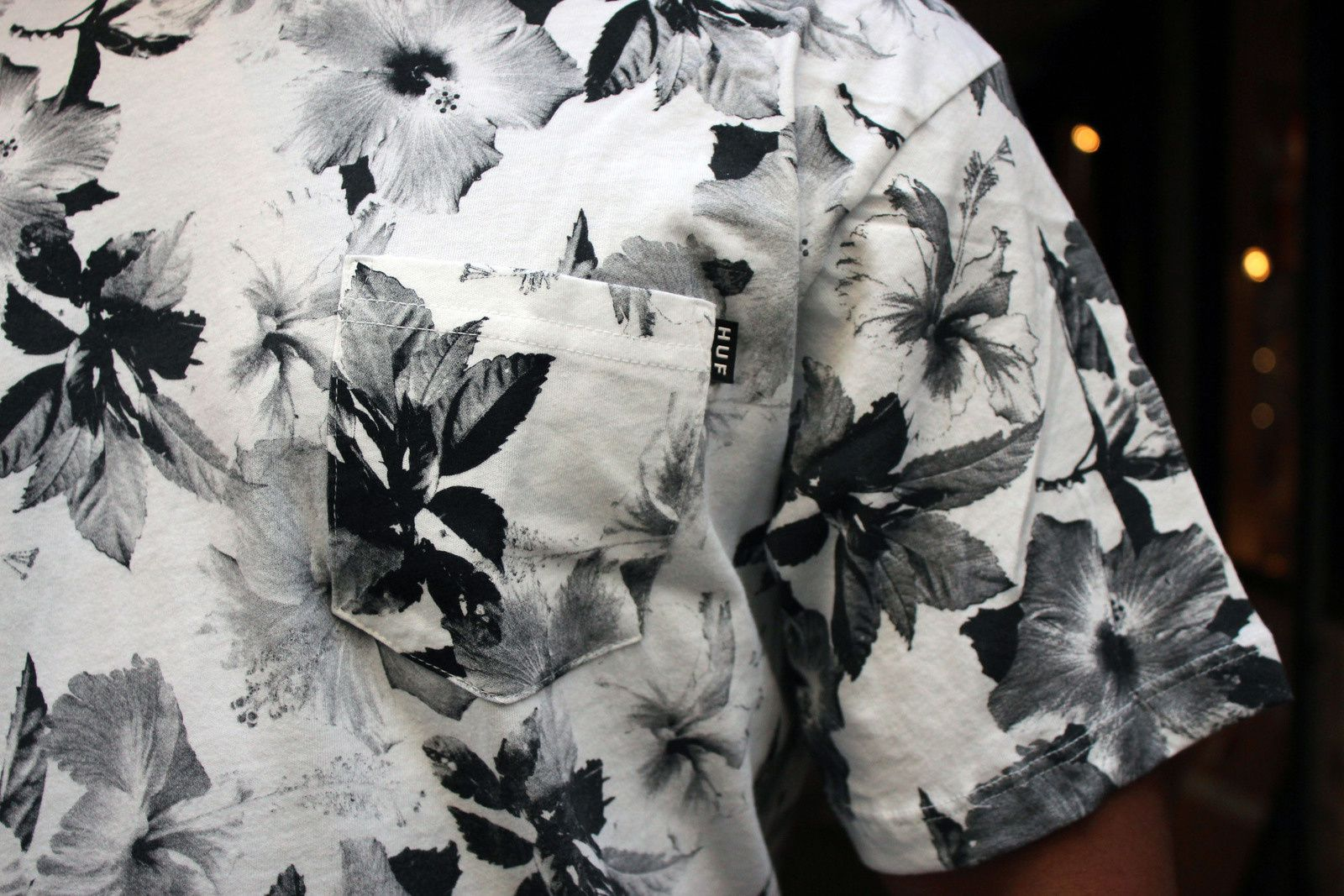 HUF Wash, Bleached &amp&#x3B; Floral Pocket Tee.