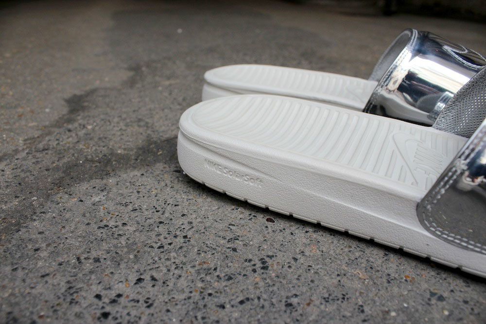 Nike Benassi Solarsoft Slide SP Metallic Silver &amp&#x3B; Gold
