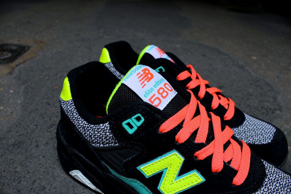 New Balance Women : WRT580  GY&amp&#x3B;BK