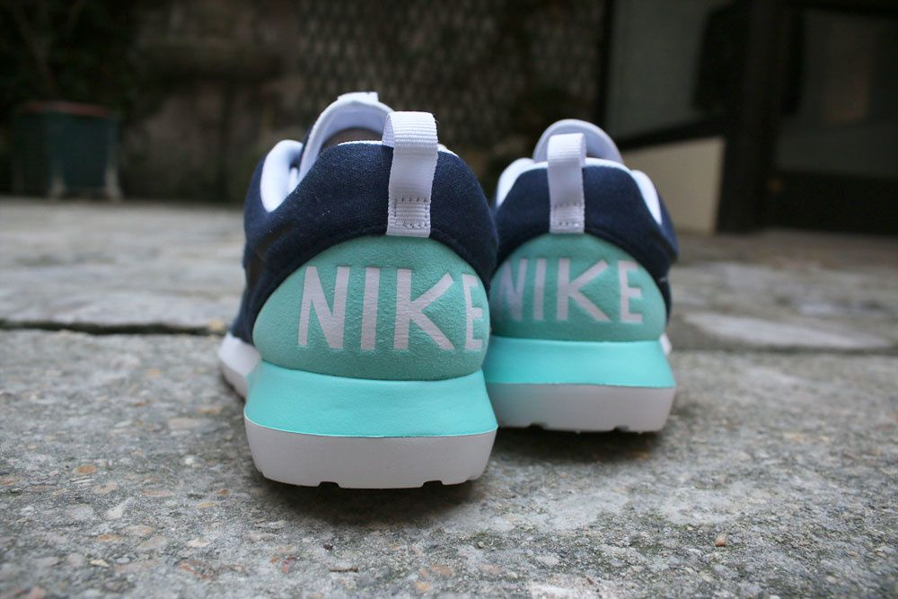 Nike Rosherun NM W SP &quot&#x3B;Tech Fleece&quot&#x3B; Pack