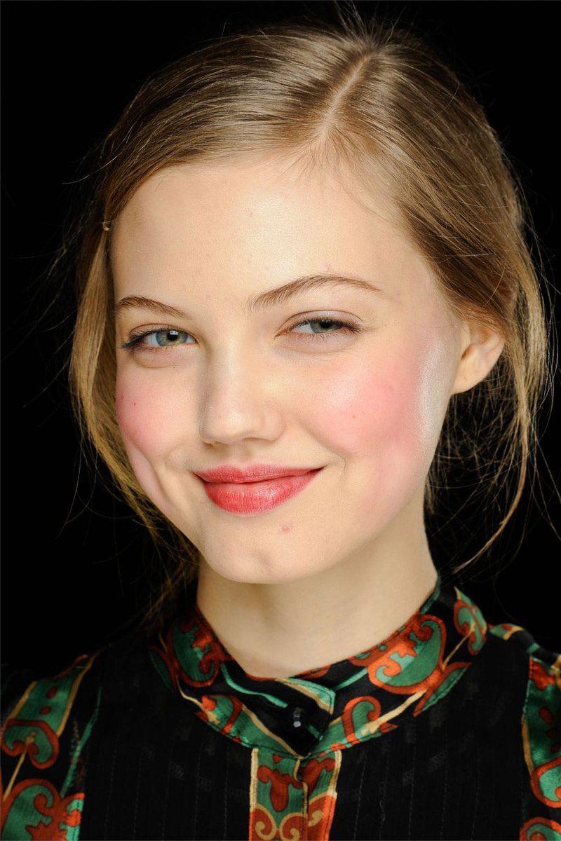 Fashion Model Lindsey Wixson, Michael Kors Makeup, Style inspiration, Fashion photography, Long hair