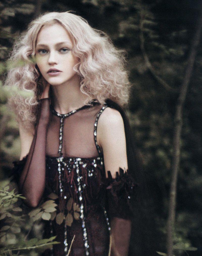 Fashion Model Sasha Pivovarova, Style inspiration, Fashion photography, Long hair