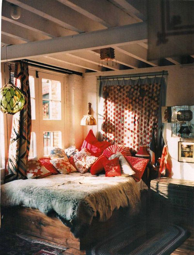 Bohemian decor inspiration hippie chic homes feng shui for Bedroom ideas cosy