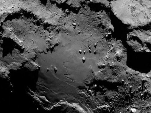 la comète Tchouri photographiée de 12 novembre 2014 par le robot Philae et la sonde Rosetta
