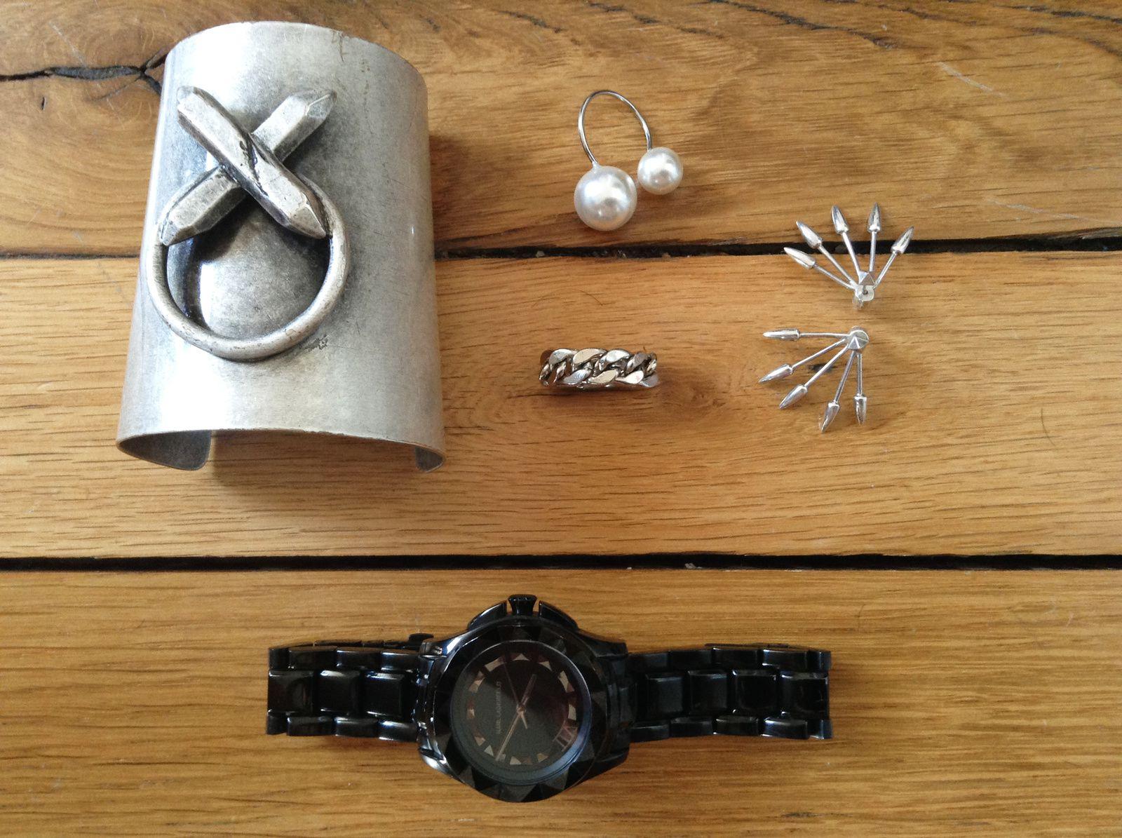 Manchette Luv AJ, Bague perles chez Franck & Fils, Bague gourmette sur etsy, B.O 5 spikes Pamela Love, Montre Karl Lagerfeld