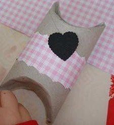 Bricolage de Noël: Boite de Noël avec un rouleau de papier toilette
