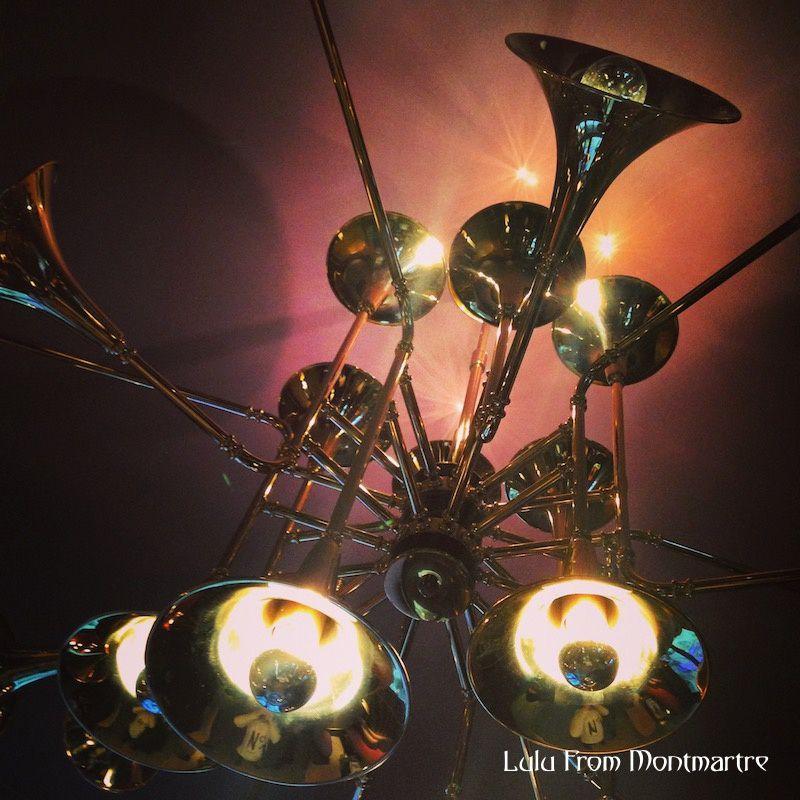 05. Etrange luminaire, Paris 75008